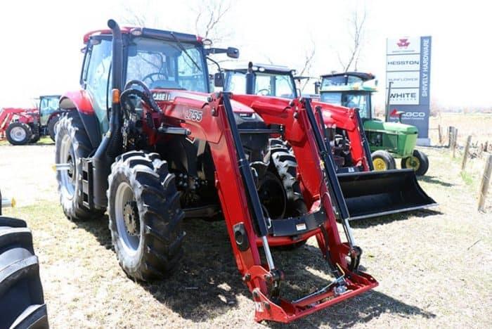 case-ih-maxxum-125-tractor-image2