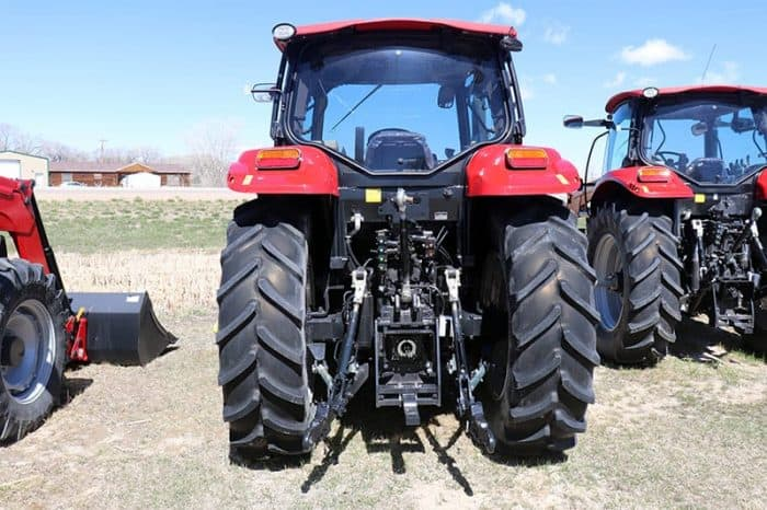 case-ih-maxxum-125-tractor-image3