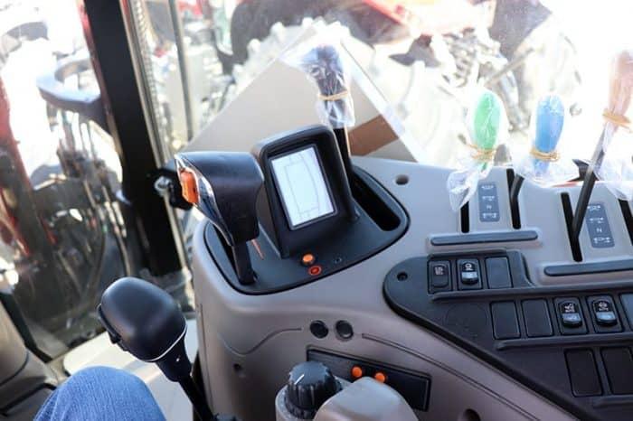 case-ih-maxxum-125-tractor-image6