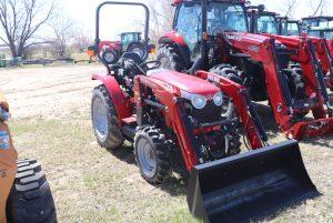massey-ferguson-1734ehl-compact-tractor-rops-image1