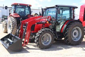 massey-ferguson-4707-utility-farm-cab-tractor-image1