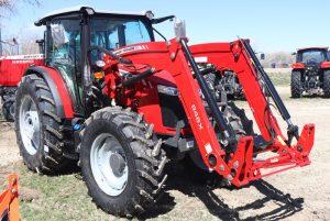 massey-ferguson-6713-farm-cab-tractor-image2