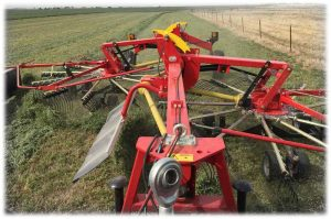 hesston-rotary-rake-rk802p-2-bordered